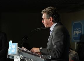 Francisco Granados junto a  Agustín Juárez alcalde de Collado Villalva en un acto del PP de Madrid.