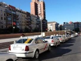 Los taxistas frenarán la manifestación del martes si el ayuntamiento garantiza la jornada de 16 horas