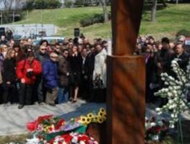 La AVT mantiene su homenaje a las víctimas el 11 de marzo