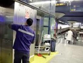 Metro tendrá nuevas empresas de limpieza tras la huelga