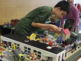 El museo Cosmocaixa acoge este fin de semana una exposición de maquetas de Lego