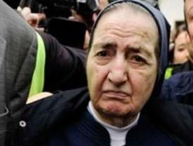 Otra madre acusa a Sor María de robar a su bebé