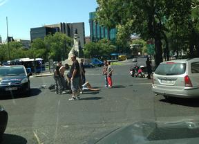 Herido un motorista al chocar contra un taxi en la Castellana