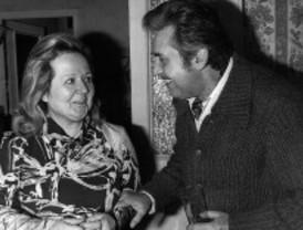 Escenas de antaño: Carlos Lemos y su esposa (1974)
