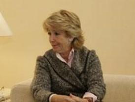 Perfiles de los nuevos consejeros y de los cesados por Aguirre