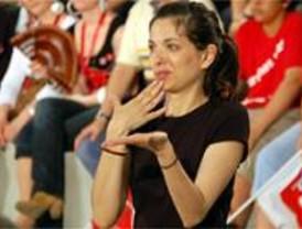 Villaverde pone en marcha un taller de teatro en lenguaje de signos