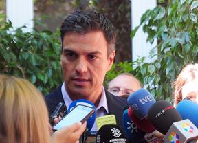 Pedro Sánchez relaciona los intereses del PP con los de Podemos