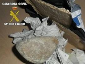 Dos detenidos por enviar piedras en lugar de los móviles que vendían por Internet