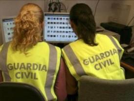 Detenidas cuatro personas por comercializar pinturas falsas de García Lorca