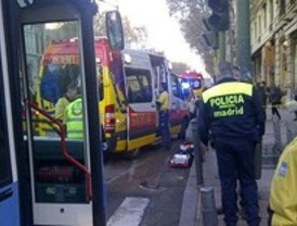 Grave tras ser atropellada por un autobús