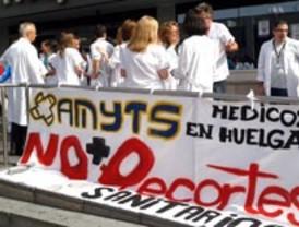 La huelga de médicos apenas afecta a los servicios