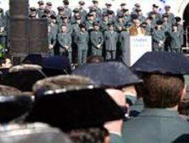 Miles de guardias civiles uniformados se manifiestan por sus derechos