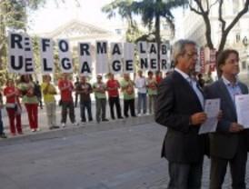 Los sindicatos buscan apoyos a la huelga en el Congreso de los Diputados