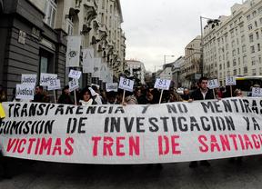 Víctimas del accidente de Santiago exigen investigar posibles responsabilidades políticas