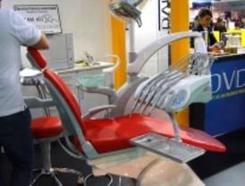 Comprueban que no pueden ponerle implantes tras sacarle los dientes