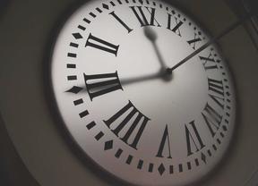 Este domingo se adelantan los relojes una hora