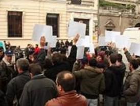 Los policía nacionales llevan sus protestas a la Delegación del Gobierno