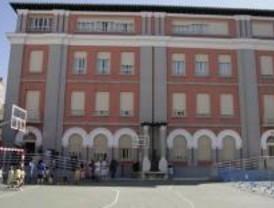 PSOE critica que el Ayuntamiento sólo abra tres centros escolares en el puente