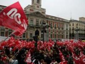 Miles de limpiadores piden en Sol subidas salariales