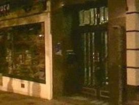 Encuentran a un bebé abandonado en el portal de un edificio de Arganzuela