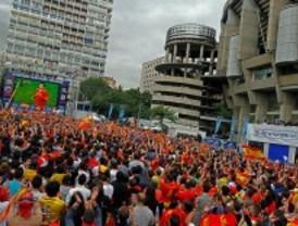 Apoyo a 'La Roja' desde el Bernabéu