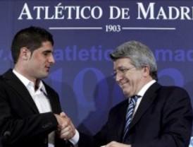 El Atlético presenta a Fran Mérida