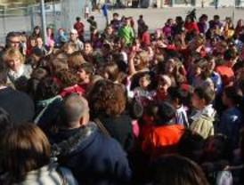 Aguirre se compromete a mejorar las instalaciones del colegio Sol