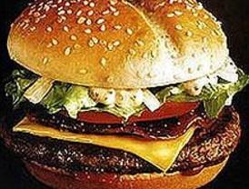 CECU pide a la Asamblea restringir la publicidad de comida basura