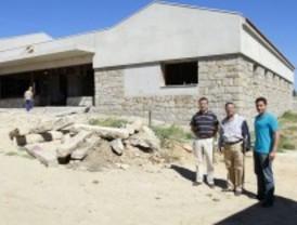 El alcalde de Tres Cantos visita las obras que se están realizando en la localidad