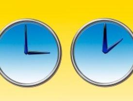 Los relojes se atrasan este domingo