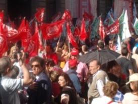 Los funcionarios se ponen en huelga este martes por la derogación del 'tijeretazo'