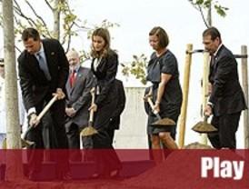 Los príncipes presiden en Madrid un homenaje a las víctimas del 11-S