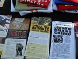 Cientos de personas, contra el maltrato animal