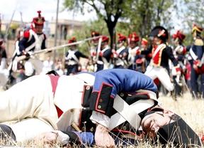 Más de cien personas recrean la Guerra de la Independencia en el castillo de la Alameda
