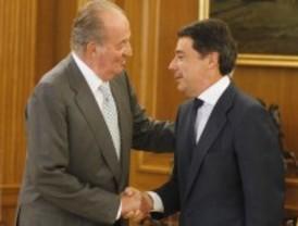 González traslada al rey