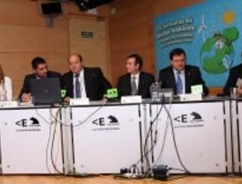Los fabricantes de coches eléctricos piden subvenciones y puntos de recarga