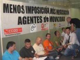Los agentes de movilidad se encierran para reivindicar negociaciones