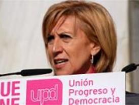 Rosa Díez fue increpada por un grupo de radicales en la Complutense