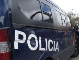 Detenidos pocas horas después de robar 600 euros en un banco en Cuatro Caminos