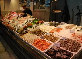 Mercados con zonas de degustación y 'coworking'