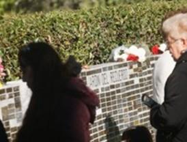 Miles de madrileños recuerdan a sus seres queridos