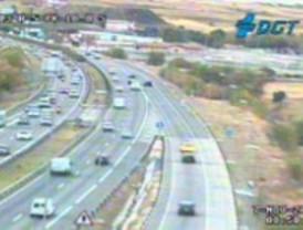 Un accidente ralentiza el tráfico en la A-5