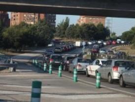 Hora punta de mucho tráfico en Madrid