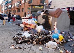 Cinco camiones de refuerzo retiran 175 toneladas de basura tras huelga de Aserpinto