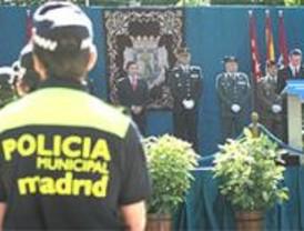 La Policía Municipal celebra la fiesta de su patrón con un desfile en el Retiro