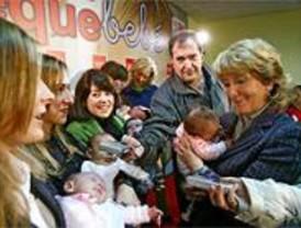 Cerca de 2.000 familias ya han solicitado el 'cheque-bebé' de cien euros