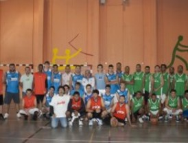 Baloncesto solidario en el centro penitenciario de Valdemoro
