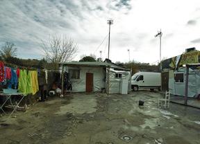 La Comunidad y Móstoles desmantelarán el poblado de las Sabinas en tres años