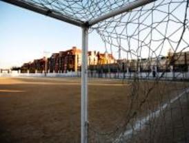 Orcasitas sigue jugando al 'fútbol-barro'