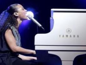 Alicia Keys inunda de emoción y baile el Teatro Real de Madrid